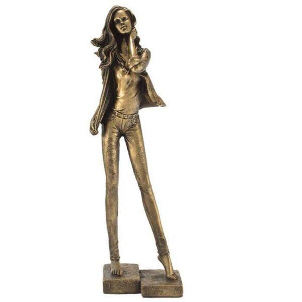 مجسمه طرح دختر ایستاده